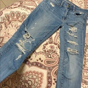 American eagle size 2 high rise jeggings ripped